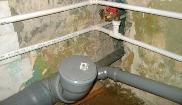 Старая система канализации. Замена чугунных труб на пластик ПВХ