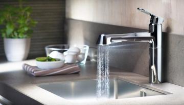 Как выбрать подходящий смеситель для кухни? Особенности подбора в интернет-магазине